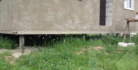 Фундамент на винтовых сваях для дома из пеноблоков